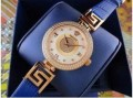 防水機能のヴェルサーチ、Versaceのレディース腕時計.