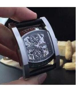 一味が違うブルガリ BVLGARI  存在感のある腕時計メンズ 人気