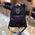 【安心の関税込】Dior・BEEパッチディテール付ライダーBackpackディオール コピー大人っぽいデイリー使いブラック
