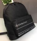 ジバンシー メンズ バッグ 2019SSコレクションが発表 ウェアに取り入れるのが今季流 GIVENCHY