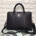 普段使いにぴったりした人気コレクション Louis Vuitton ルイ ヴィトン コピー 激安 メンズ ビジネスバッグ ブラック