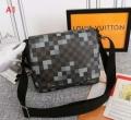 春夏で大人気の限定モデル ルイ ヴィトン Louis Vuitton メンズ ショルダーバッグ コピー ピクセル 3色可選 N40072