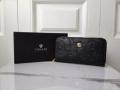 VERSACE ヴェルサーチ スーパーコピー メンズ ジップ長財布 エンボス加工 今季で一番流行りの新作 EMBOSSED BAROCCO ブラック