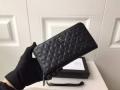 VERSACE ヴェルサーチ メンズ ジップ長財布 ファッション人へのギフトに一番いい! GRECA ARGYLE コピー ブラック エンボス