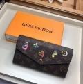 Louis Vuitton ルイヴィトン レディース 長財布 上品な彩りに大歓迎春夏新品 コピー スタップボタン開け方 ファッション M64117