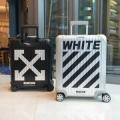 スーツケース Off-White オフホワイト  2019年春夏のトレンドの動向    おしゃれ上級者に着