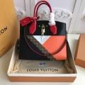 秋冬っぽいスタイルを作り出す 2019秋冬におすすめ着こなし ルイ ヴィトン LOUIS VUITTON ハンドバッグ 2色可選