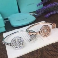 冬コーデが華やぐ本命 2色可選 冬で可愛くて楽チンな人気アイテム ブレスレット秋冬っぽいスタイルを作り出す ティファニー Tiffany&Co