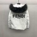 フェンディ冬のマストアイテム  FENDI 秋冬らしいカジュアルな雰囲気を持つ  ダウンジャケット メンズ  華やかに魅せる秋冬コーデ