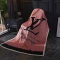 ブランケット 綺麗な光沢があります  ルイ ヴィトン 吸汗性に優れた天然素材  LOUIS VUITTON 寝冷え対策にぴったり