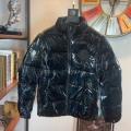 秋冬トレンドを取り入れたコーデを楽しむ MONCLER モンクレール 真冬にもうまく着こなせる ダウンジャケット